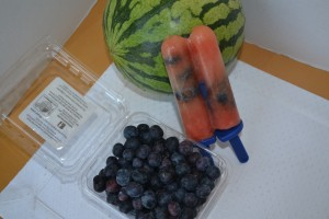watermelon and blueberry homemade popsicles